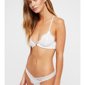f16fe58d9fb6e Free People Intimates   Sleepwear - Free People white lace front clasp  bralette